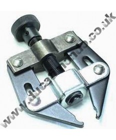 Chain puller, assembly aid tool